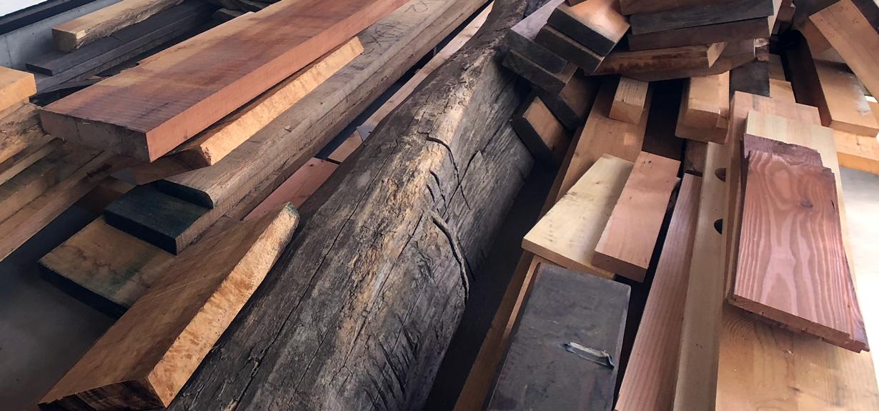 乾燥や湿度への配慮が大切な木材