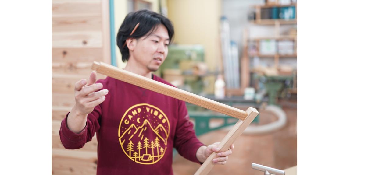 木材の性質を教えてくれる十川氏
